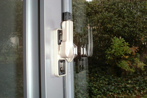 鍵付防犯クレセント錠施工:京都市